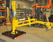 UltiRail™ Torque Arm - 2000Nm Torque capacity; Complete braking system to hold tool in position; Portable pedestal base